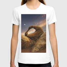 Sunset Over Mobius Arch in the Alabama Hills. T-shirt