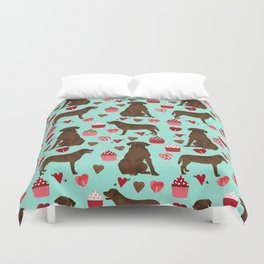 Chocolate Labrador Retriever valentines day cupcakes love hearts dog gifts labs Duvet Cover