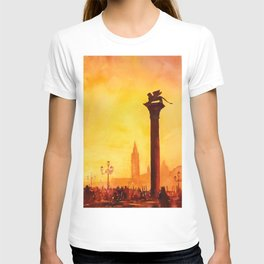 Lion of San Marco statue in Piazza di San Marco at dawn- Venice, Itay T-shirt