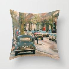 Berkhampsted High St Throw Pillow