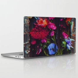 ÂNSWRNMÂCHN Laptop & iPad Skin