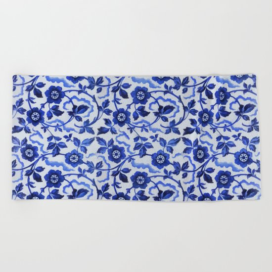 Azulejos blue floral pattern Beach Towel
