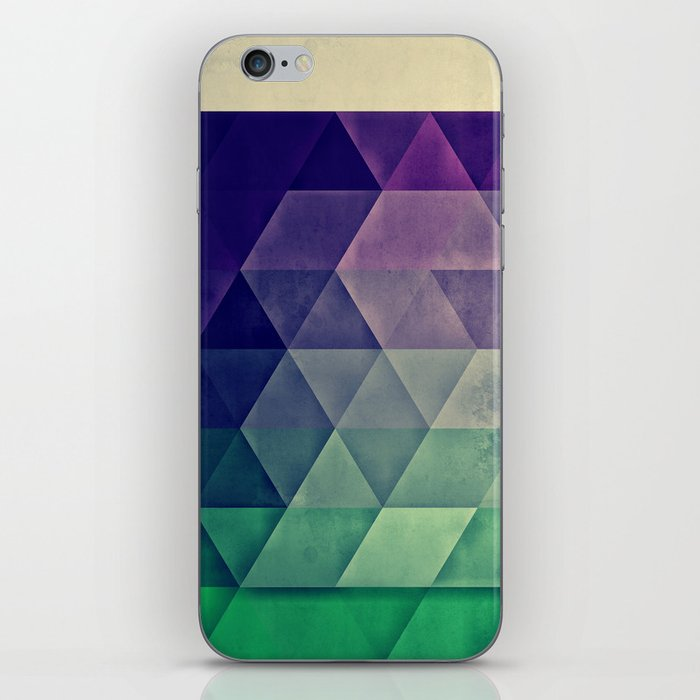 WYTR_CLYR iPhone Skin