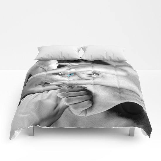 DO YOU SEE ME? Comforters