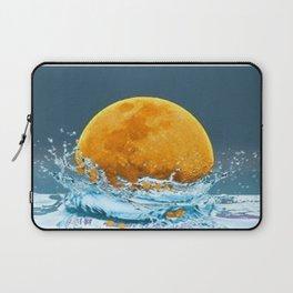 FALLING MOON OCEAN SCI-FI ILLUSION Laptop Sleeve