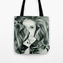 Frau Dreiecke 1 Tote Bag