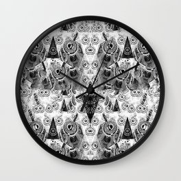 Triangulum Nigrum ad Mortem Wall Clock