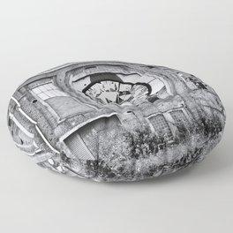Diamant in Industrie Ruine Floor Pillow