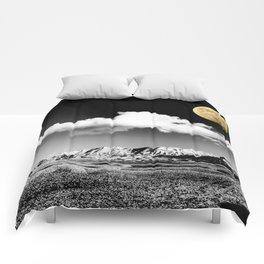 Black Desert Sky & Golden Moon // Red Rock Canyon Las Vegas Mojave Lune Celestial Mountain Range Comforters