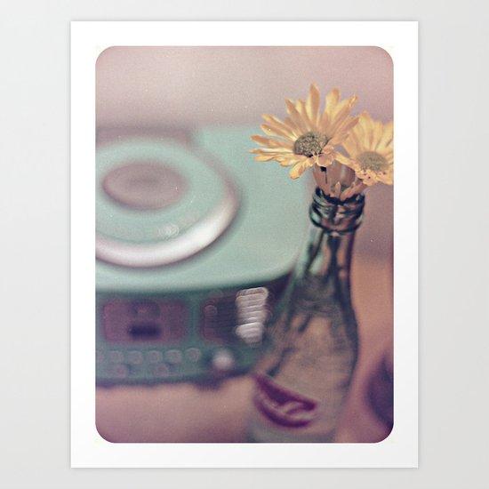 daisies with vintage radio Art Print