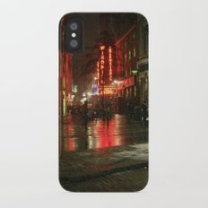 Snowing in London iPhone X Slim Case