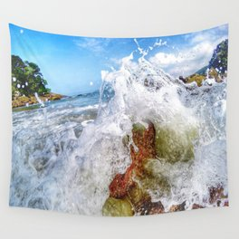 Waves hitting the rocks Wall Tapestry