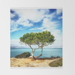 Tree in Focus Throw Blanket