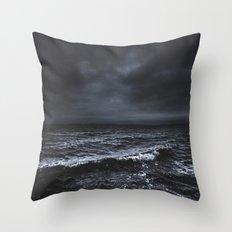 I´m fading Throw Pillow
