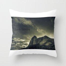 Rio de Janeiro: Cristo Redentor Throw Pillow