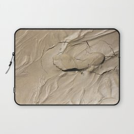 FootPrint in Hidden Sinking Sand - Crack my Heart Laptop Sleeve
