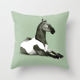 Cavallo offeso Throw Pillow