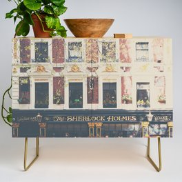 a pub with a difference ...  Credenza