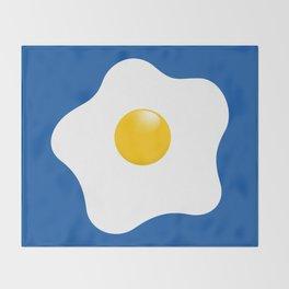 EGG tastic - the sunny side up Throw Blanket
