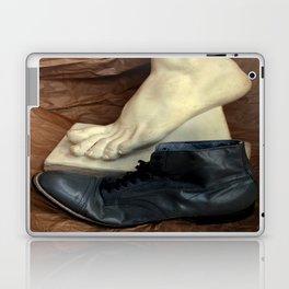 Crinkle Toes Laptop & iPad Skin