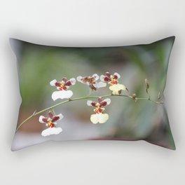 A Beauty Orquídea Rectangular Pillow