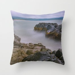 Between rocks - Wales Throw Pillow