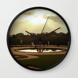 le jardins de la reine Wall Clock