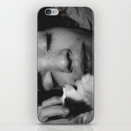 kitty love iPhone Skin