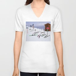 Skiers can't read ;o) Unisex V-Neck