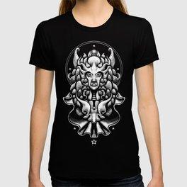 Queen of Owls T-shirt
