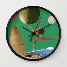 La danza espacial Wall Clock