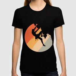 Rock Climbing Mountain Climber Vintage Color T-shirt