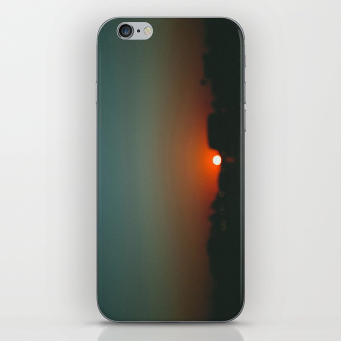 west at sunset iPhone Skin