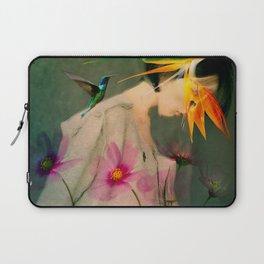 Woman between flowers / La mujer entre las flores Laptop Sleeve