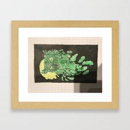 Uil met maanlicht Framed Art Print