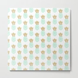 Elegant faux gold tropical pineapple pattern Metal Print