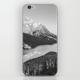 Landscape Photography Peyto Lake | Black and white iPhone Skin