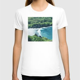 Tropical Ocean Cove With Rogue Wave and Wild Surf T-shirt