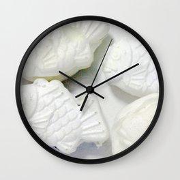 60pieces Fish-shaped Pancakes Wall Clock