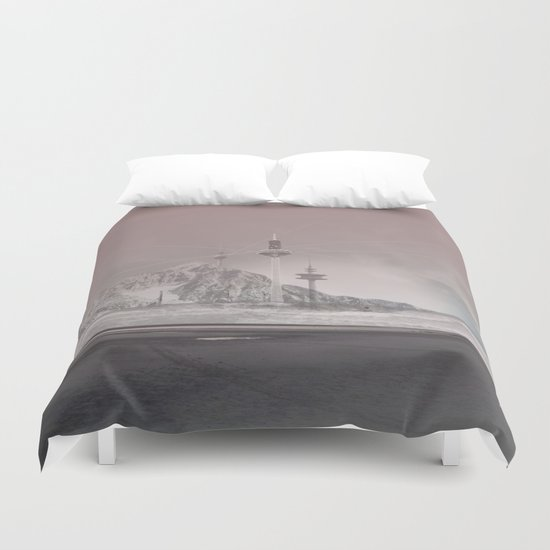 atmosphere 11 · The lost signal Duvet Cover