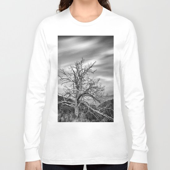 Old Mountain Tree under the stars Long Sleeve T-shirt