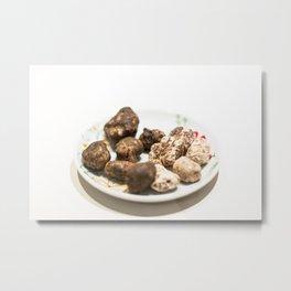 Tartufo bianco e nero | White and black mushrooms truffle. Metal Print