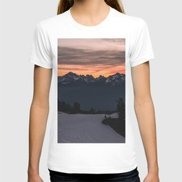 Rising Sun in the Cascades - nature photography T-shirt