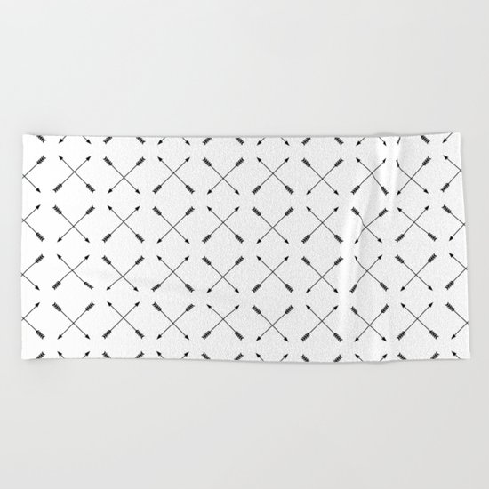 Crossed Arrows Pattern - Black and white Beach Towel