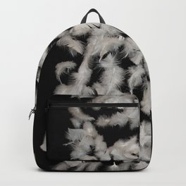 Quivering feathers Backpack