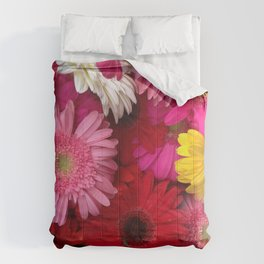 FLOWERS ALL AROUND Comforters