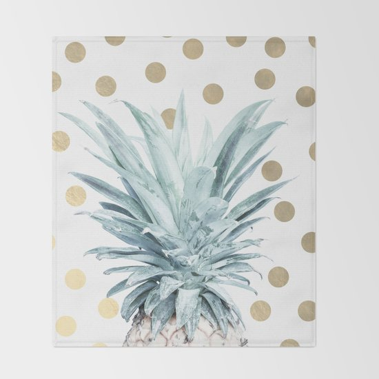 Pineapple crown - gold confetti Throw Blanket