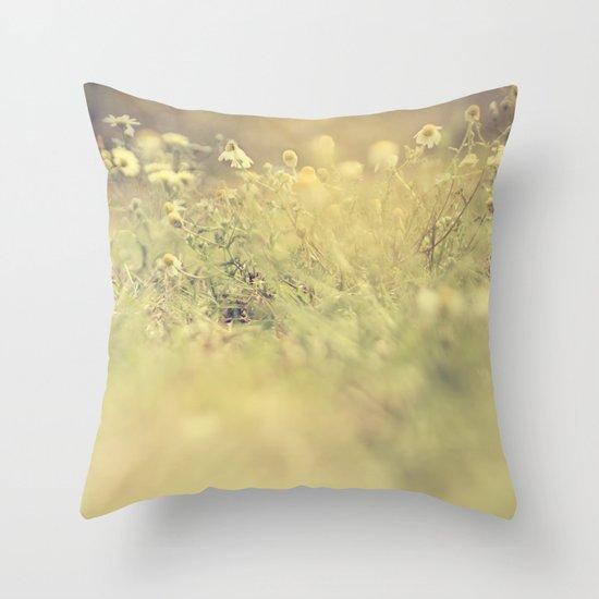 buttercup daisies Throw Pillow