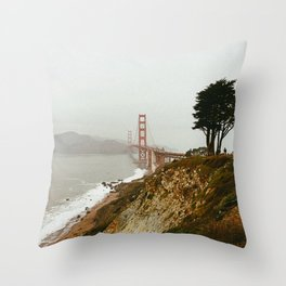 Golden Gate Bridge / San Francisco, California Throw Pillow
