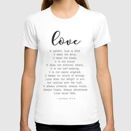 Love Never Fails #minimalism T-shirt